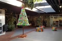 Gehaakte kerstbomen in de Galerij Oss 2019